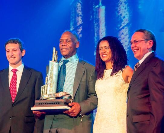 xvfestival-Danny-Glover-XV-Habanos-Festival-Award